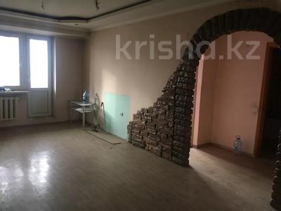 4-комнатная квартира, 101.2 м², 9/9 этаж, мкр Аксай-3Б 32 за 22 млн 〒 в Алматы, Ауэзовский р-н — фото 10