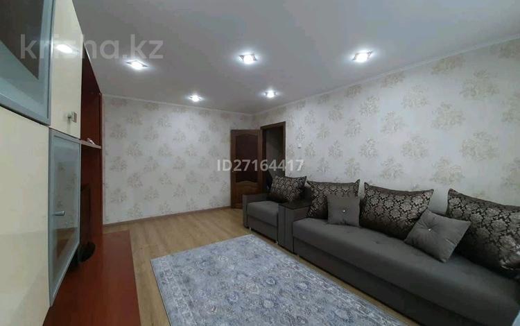 2-комнатная квартира, 52 м², 4/9 этаж посуточно, проспект Шакарима 9 — Дулатова за 10 000 〒 в Семее