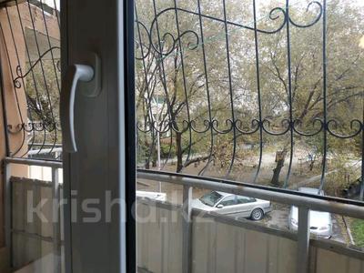 1-комнатная квартира, 30 м², 2/16 этаж помесячно, Жандосова 140/2 — Сулейменова за 80 000 〒 в Алматы, Ауэзовский р-н — фото 7