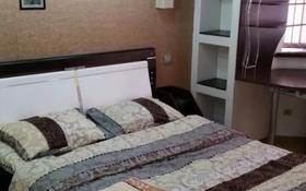 2-комнатная квартира, 60 м², 3 этаж посуточно, Б. Момышулы 25 — Желтоксан за 10 000 〒 в Шымкенте, Абайский р-н