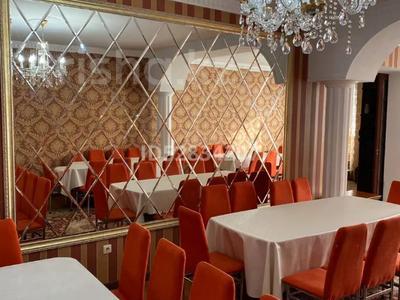 9-комнатный дом посуточно, 250 м², 6 сот., Мкр Чубары 1 — Сейткали Мендешева за 60 000 〒 в Нур-Султане (Астана), Есиль р-н