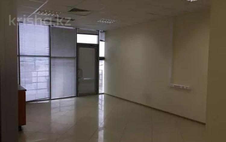 Офис площадью 700 м², Азаттык 113 за 7 500 〒 в Атырау
