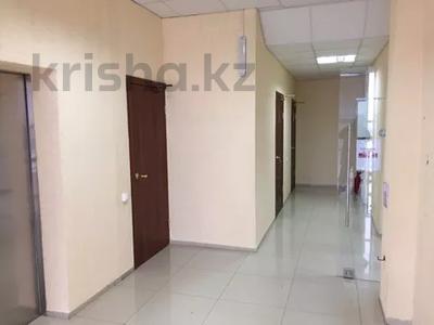 Офис площадью 700 м², Азаттык 113 за 7 500 〒 в Атырау — фото 11