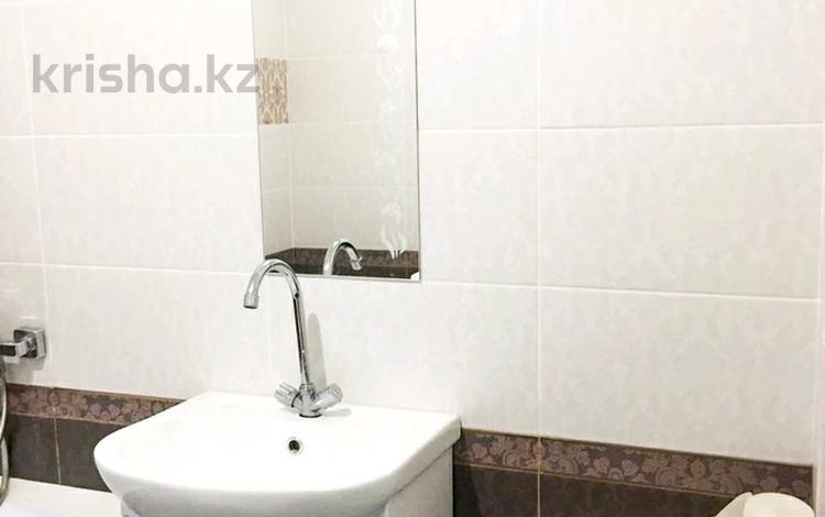 1-комнатная квартира, 55 м², 5/5 этаж, Мкр Батыс-2 21 за 10.5 млн 〒 в Актобе, мкр. Батыс-2