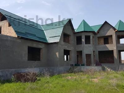 7-комнатный дом, 700 м², 35 сот., Карасу за 37 млн 〒 в Шымкенте