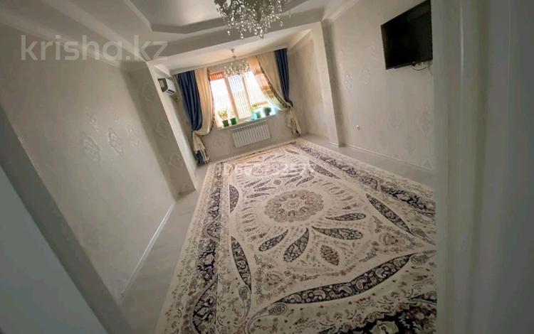 2-комнатная квартира, 74 м², 4/9 этаж, 32Б мкр 4 за 15.5 млн 〒 в Актау, 32Б мкр