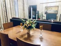 3-комнатная квартира, 160 м², 4/12 этаж на длительный срок, Кабанбай батыра за 750 000 〒 в Алматы