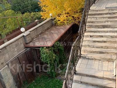 8-комнатный дом, 330 м², 6.2 сот., мкр Тастыбулак за 53 млн 〒 в Алматы, Наурызбайский р-н