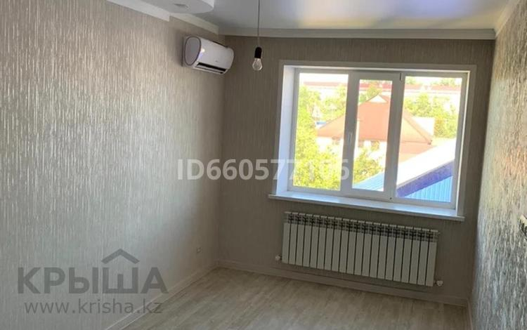 2-комнатная квартира, 66 м², 3/3 этаж, Чурина — Масина за ~ 19 млн 〒 в Уральске