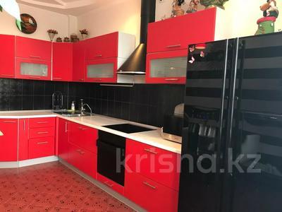 2-комнатная квартира, 100 м², 3/11 этаж помесячно, Академика Сатпаева 336 за 250 000 〒 в Павлодаре — фото 10