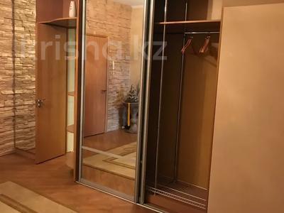 2-комнатная квартира, 100 м², 3/11 этаж помесячно, Академика Сатпаева 336 за 250 000 〒 в Павлодаре — фото 2