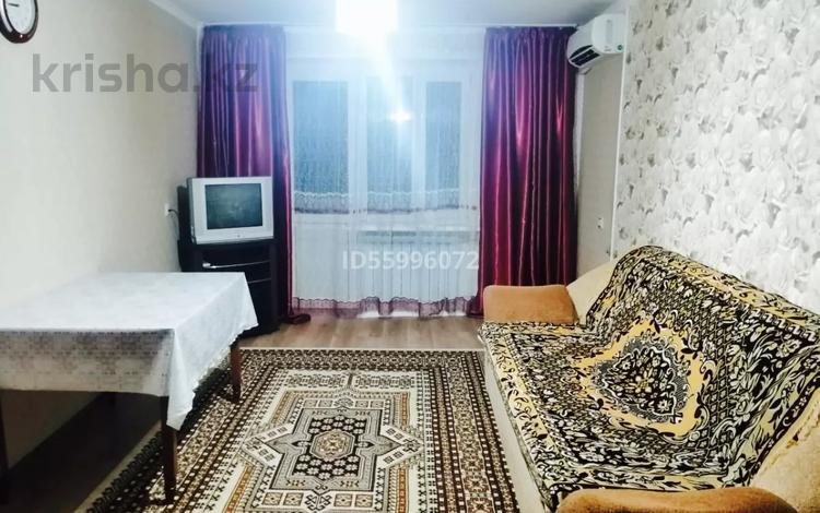 2-комнатная квартира, 49 м², 3/5 этаж посуточно, проспект Абая 133 — Айтеке би за 5 000 〒 в Таразе