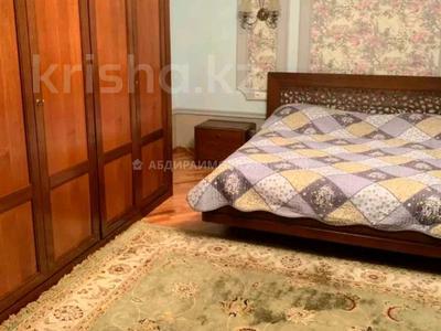 2-комнатная квартира, 80 м², 2/7 этаж помесячно, мкр Самал-3, Кажымукана — Кажымукана за 300 000 〒 в Алматы, Медеуский р-н — фото 7