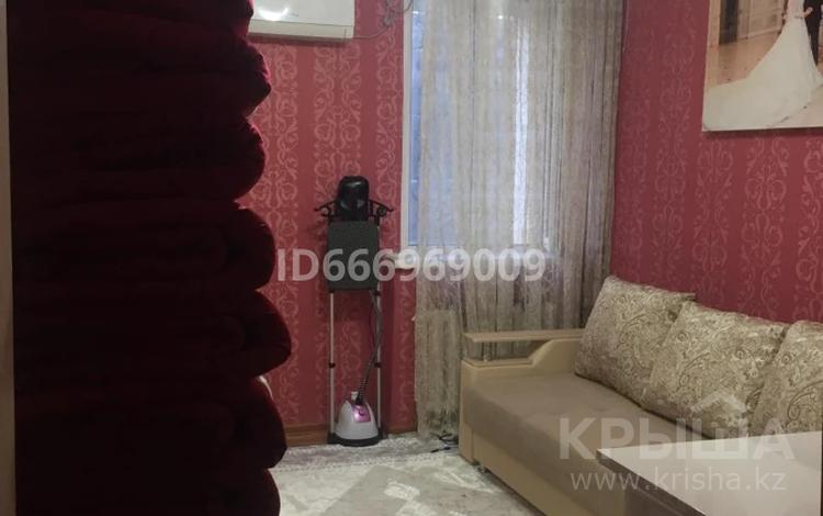 3-комнатная квартира, 67 м², 3/4 этаж, 4 мкр за 18.5 млн 〒 в Жанаозен