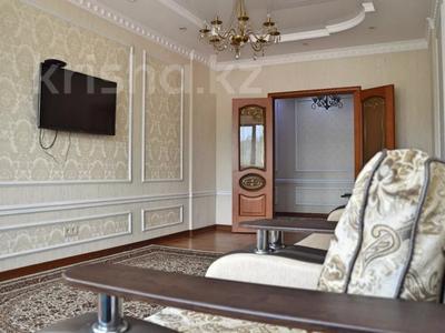 2-комнатная квартира, 88 м², 6/9 этаж посуточно, Сейфуллина 589а — Курмангазы за 13 000 〒 в Алматы, Алмалинский р-н — фото 2