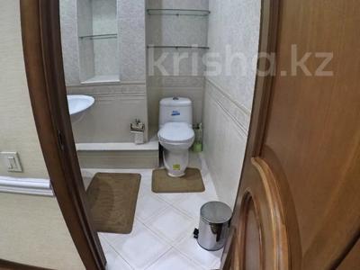 2-комнатная квартира, 88 м², 6/9 этаж посуточно, Сейфуллина 589а — Курмангазы за 13 000 〒 в Алматы, Алмалинский р-н — фото 4