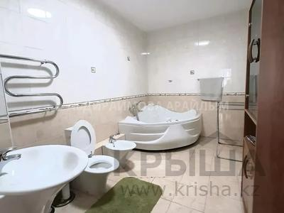 3-комнатная квартира, 140 м², 6/10 этаж помесячно, проспект Достык — Сатпаева за 300 000 〒 в Алматы, Медеуский р-н — фото 7
