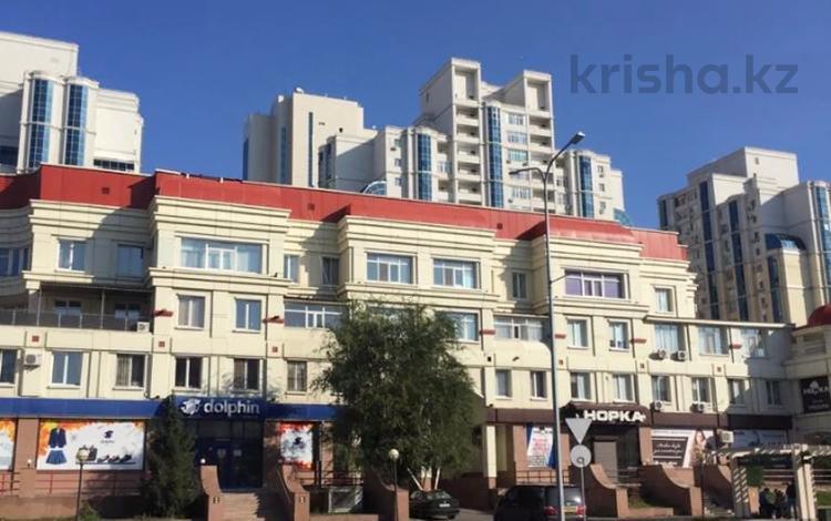 5-комнатная квартира, 230 м², 3/4 этаж, Иманова за 79 млн 〒 в Нур-Султане (Астана), р-н Байконур