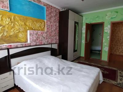 2-комнатная квартира, 75 м², 3/10 этаж помесячно, Кенжебека Кумисбекова 3А за 120 000 〒 в Нур-Султане (Астана), Сарыарка р-н — фото 2