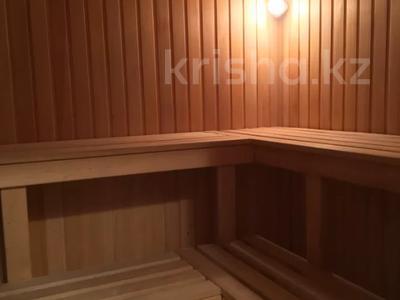 7-комнатный дом, 430 м², 7 сот., Ихсанова за 72 млн 〒 в Уральске — фото 5
