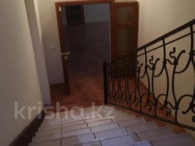 7-комнатный дом, 430 м², 7 сот., Ихсанова за 72 млн 〒 в Уральске — фото 8