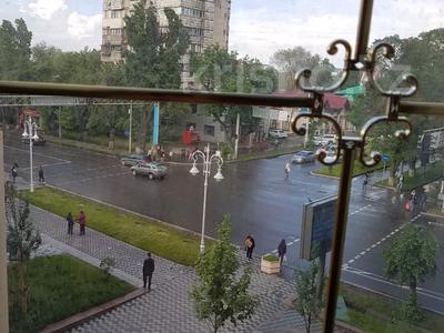 3-комнатная квартира, 80 м², 4/9 этаж посуточно, Кунаева 49 — проспект Жибек Жолы за 16 000 〒 в Алматы, Медеуский р-н — фото 19