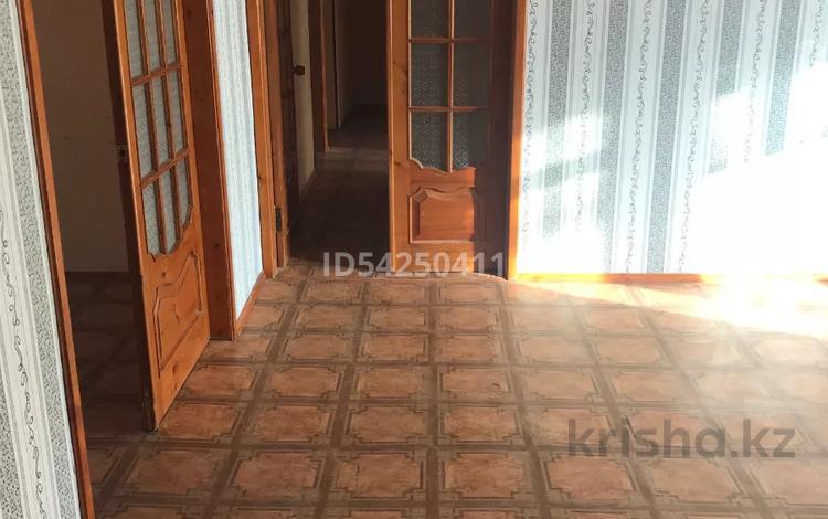6-комнатная квартира, 140 м², 3/5 этаж, 27-й мкр 47 за 30 млн 〒 в Актау, 27-й мкр
