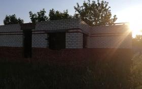 5-комнатный дом, 130 м², 10 сот., улица Абая — Поселок Викторовский за 600 000 〒 в Тарановском