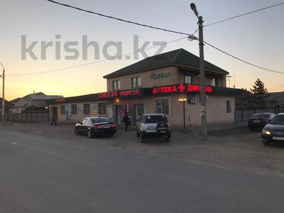 Магазин площадью 575.6 м², Кашаубаева 139 за 82 млн 〒 в Нур-Султане (Астана), Есильский р-н