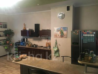 2-комнатная квартира, 80 м², 12/18 этаж, Брусиловского 144 за 28 млн 〒 в Алматы, Алмалинский р-н — фото 6