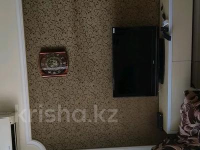 2-комнатная квартира, 58 м², 3/9 этаж посуточно, улица Машхур Жусупа 1 за 9 000 〒 в Павлодаре — фото 2