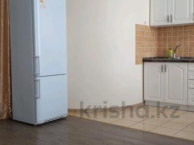 2-комнатная квартира, 58 м², 3/9 этаж посуточно, улица Машхур Жусупа 1 за 9 000 〒 в Павлодаре — фото 3