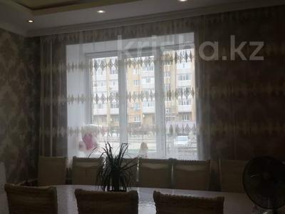 2-комнатная квартира, 72.6 м², 1/5 этаж, БАТЫС-2 20В — МОЛДАГУЛОВА - ТАУЕЛСИЗДИК за 21.5 млн 〒 в Актобе, мкр. Батыс-2