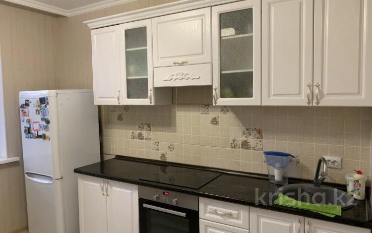 3-комнатная квартира, 87 м², 4/10 этаж на длительный срок, Е652 2Б за 160 000 〒 в Нур-Султане (Астане), Есильский р-н