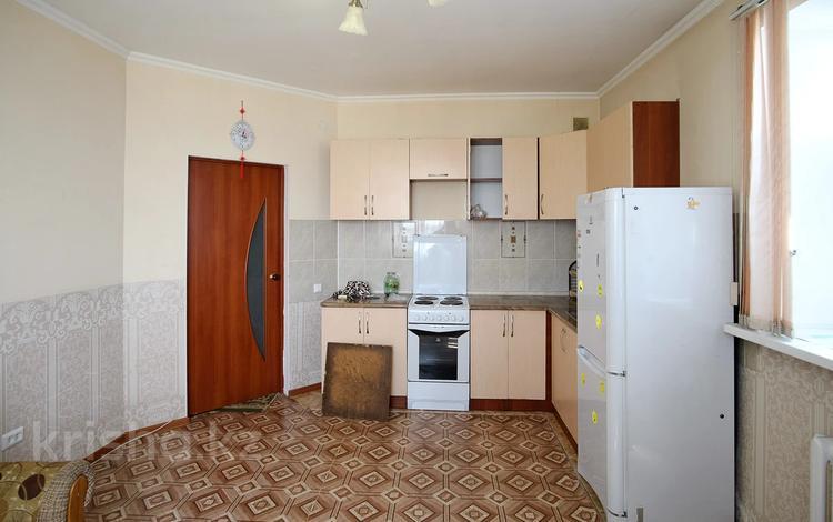 2-комнатная квартира, 57 м², 11/13 этаж, Отырар за 17.8 млн 〒 в Нур-Султане (Астана), р-н Байконур