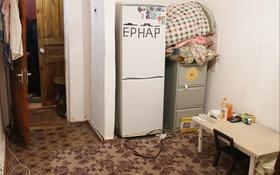 1-комнатная квартира, 32.5 м², 2/5 этаж, Алипова 3 за ~ 6.9 млн 〒 в Атырау
