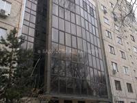 Здание, площадью 882 м²