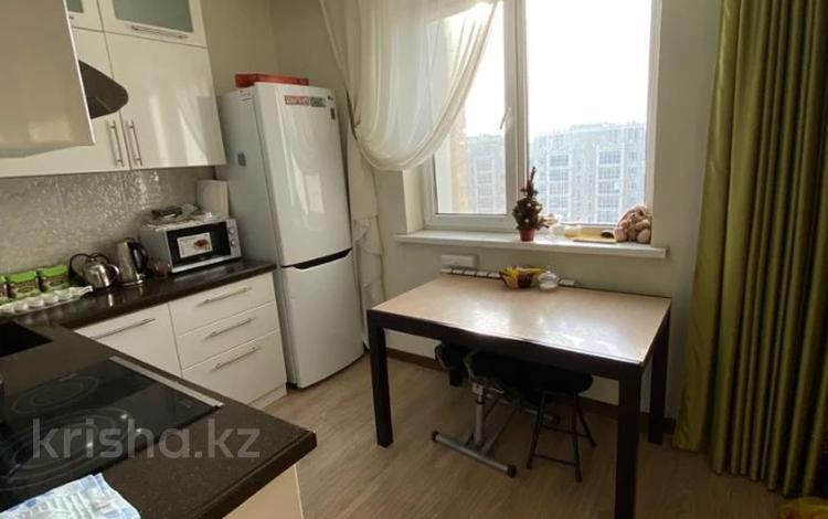2-комнатная квартира, 55 м², 10/17 этаж, Туркестан за ~ 24 млн 〒 в Нур-Султане (Астана), Есиль р-н