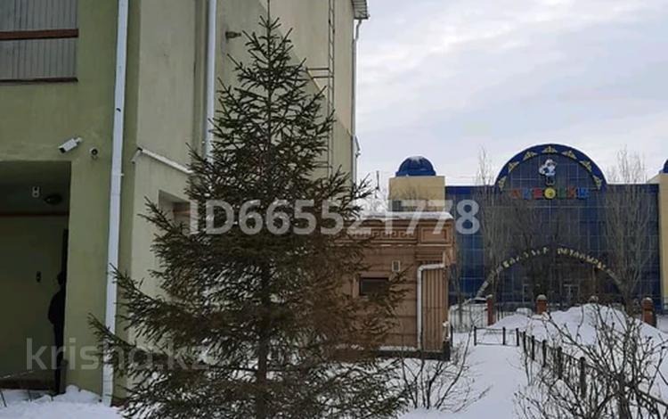 6-комнатная квартира, 90 м², проспект Санкибай Батыра 253/1 — Газиза Жубанова за 130 млн 〒 в Актобе