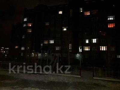 1-комнатная квартира, 44 м², 8/8 этаж, Санкибай 72к/3 — Алии молдагуловой за 12.5 млн 〒 в Актобе, мкр. Батыс-2 — фото 4