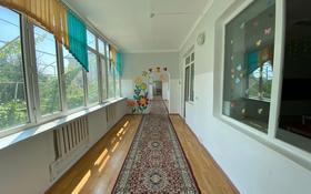 Здание, площадью 600 м², Желтоксан 154а за 190 млн 〒 в