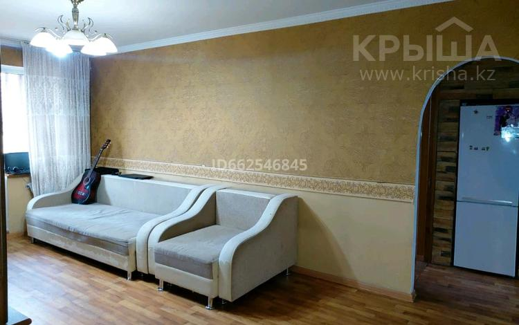 3-комнатная квартира, 85 м², 2/5 этаж помесячно, мкр №3, №3 мкр 15 — Абая за 180 000 〒 в Алматы, Ауэзовский р-н