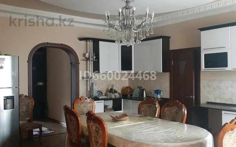 4-комнатный дом, 180 м², 3 сот., мкр Новый Город, Терешковой за 38.5 млн 〒 в Караганде, Казыбек би р-н