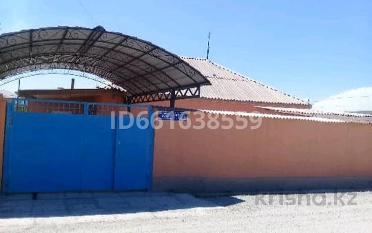 4-комнатный дом, 90 м², 8 сот., улица Кошек батыра 297 за 16 млн 〒 в Таразе