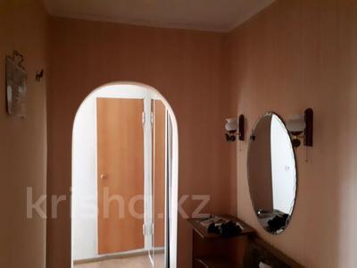 1-комнатная квартира, 42 м², 5/5 этаж посуточно, Юго-востоке 2 — Степной за 6 000 〒 в Караганде, Казыбек би р-н