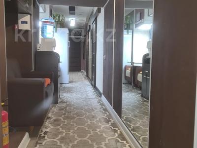 Помещение площадью 165 м², Азербайжана Мамбетова 4 за 120 млн 〒 в Нур-Султане (Астане), Сарыарка р-н