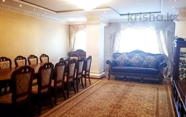 5-комнатная квартира, 200 м², 1/6 этаж, Ботанический сад 22 — Ходжанова за 90 млн 〒 в Алматы, Бостандыкский р-н
