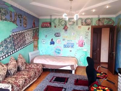 5-комнатная квартира, 200 м², 1/6 этаж, Ботанический сад 22 — Ходжанова за 90 млн 〒 в Алматы, Бостандыкский р-н — фото 10