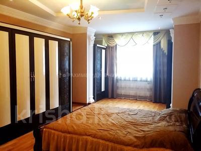 5-комнатная квартира, 200 м², 1/6 этаж, Ботанический сад 22 — Ходжанова за 90 млн 〒 в Алматы, Бостандыкский р-н — фото 4