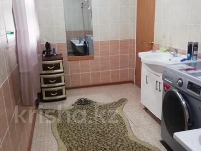 6-комнатный дом, 250 м², 10 сот., Прииртышкая 4 за 55 млн 〒 в Усть-Каменогорске